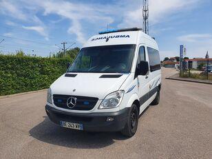 ambulanza MERCEDES-BENZ SPRINTER 216 CDI