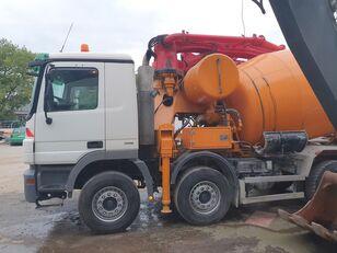 pompa per calcestruzzo Cifa 28m+9m3 su telaio MERCEDES-BENZ Actros 3244 8x4 CIFA 28m+9m3 mixer-pump, very nice pump